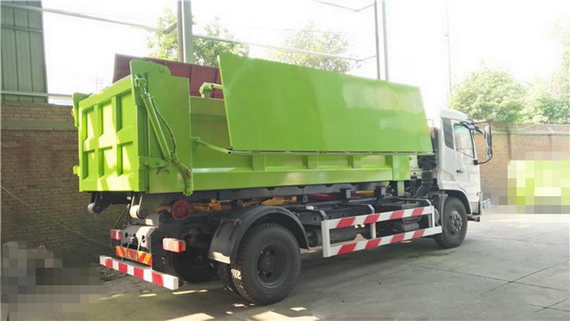 18噸污泥箱報價幾多錢_污泥運輸箱_淤泥運輸車別的,超載和超速也是激發爆胎的首要身分.