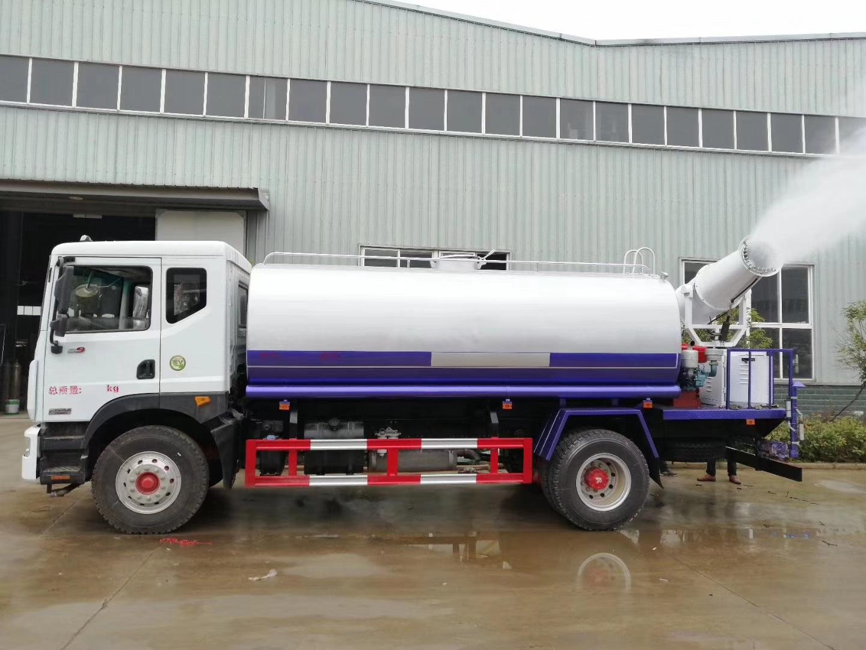 东风多利卡12吨洒水降尘车图片