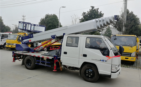 28米云梯车工作视频|云梯车运沙