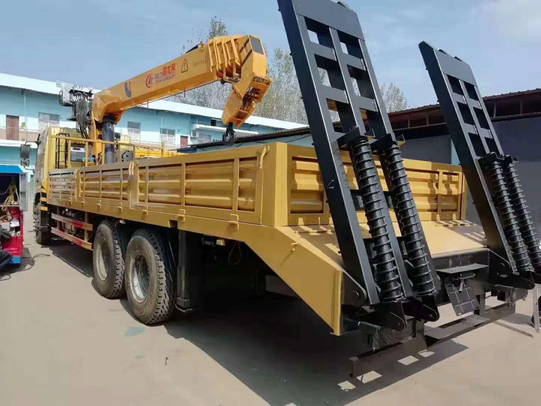 (8-12吨吊机)新款随车起重运输车_高清图片
