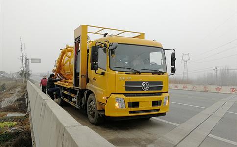 东风天锦4X2高压清洗吸污车厂家直销|清洗吸污车