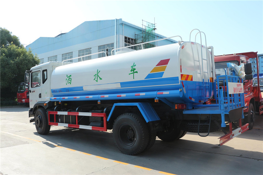 东风T3 12吨洒水车图片