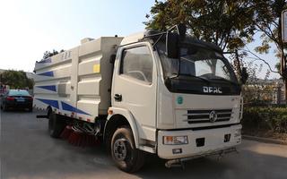 東風大多利卡CLW5081TSLD5掃路車