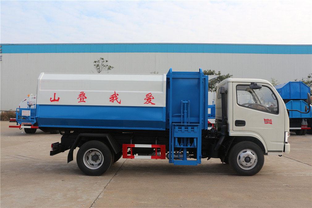 东风小多利卡5吨挂桶式垃圾车图片
