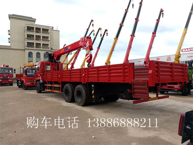 10-12吨东风专底后八轮随车起重运输车
