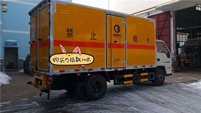 江铃烟花爆竹运输车