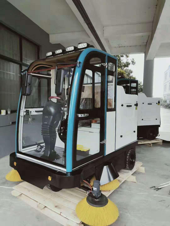 電動掃路車節能環保 掃路車價格廠家低
