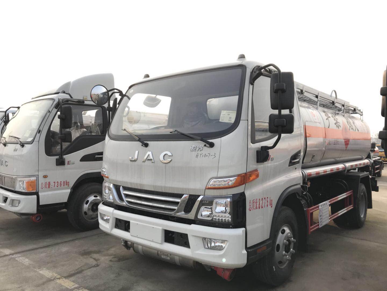 江淮骏铃5吨加油车