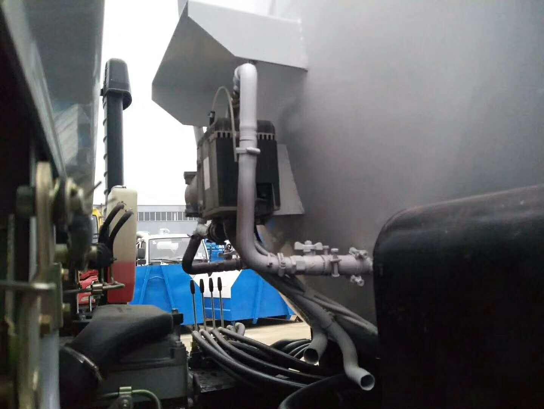 東風6方餐廚垃圾車圖片