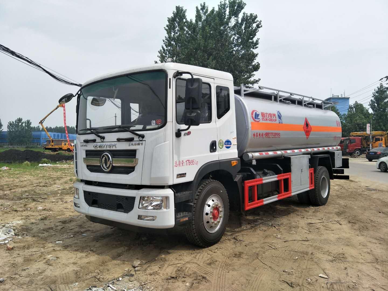 E世博平台威牌10吨加油车