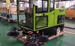 陕西西安电动扫路车厂家在哪里 扫路车价格是多少