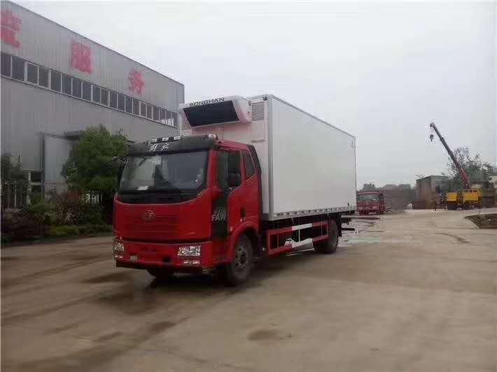 解放J6冷藏車6.8米冷凍肉運輸冷藏車價格
