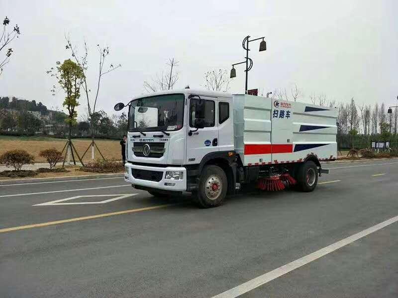 东风12吨扫路车8方垃圾箱4方水箱道路清扫车价格