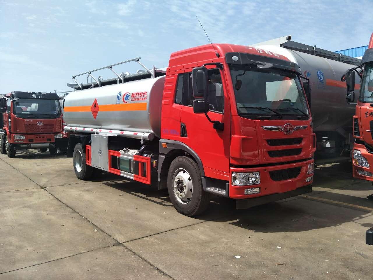 解放龙V10吨加油车