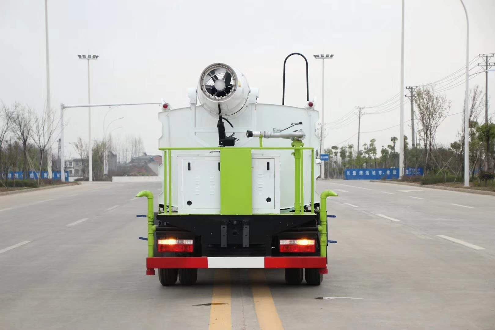 東風5噸霧炮車出藍牌車了圖片