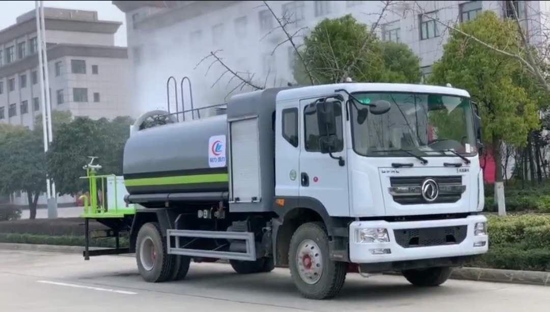 性价比最高的12方抑尘车,国五东风D9多功能抑尘车。图片