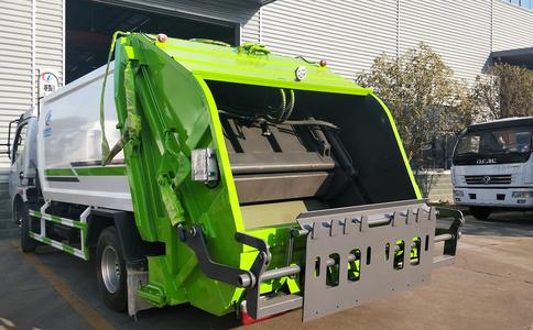 8方东风多利卡压缩垃圾车工作视频