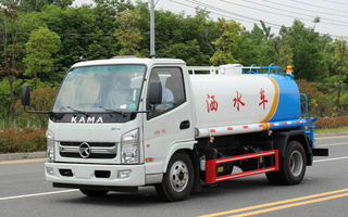 凯马5方洒水车 浇水车 浇灌车图片