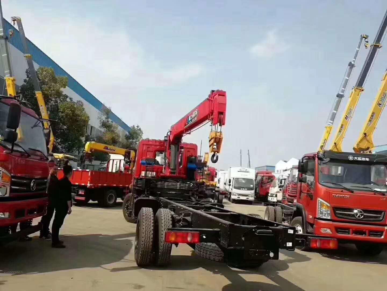东风天龙315马力配长兴12吨吊机客户非常满意视频