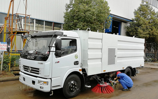 东风多利卡洗扫车厂家|4方水5方尘洗扫车图片