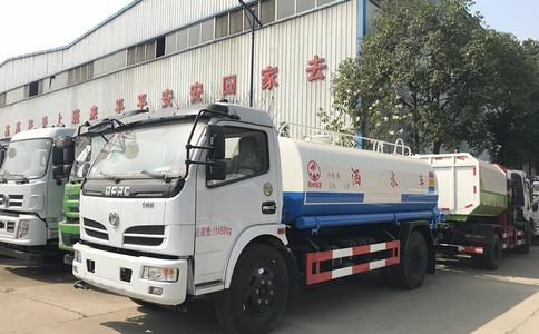 东风国五10方洒水车效果视频