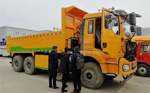 30吨自卸车出口 陕汽8X4 自卸车出口 前四后八自卸车