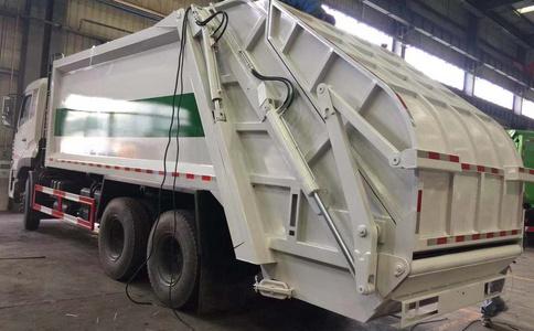压缩垃圾车重拳出击视频