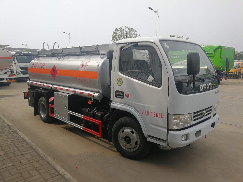 河北河南东风5方4吨柴油汽油加油车厂家直销多少钱图片
