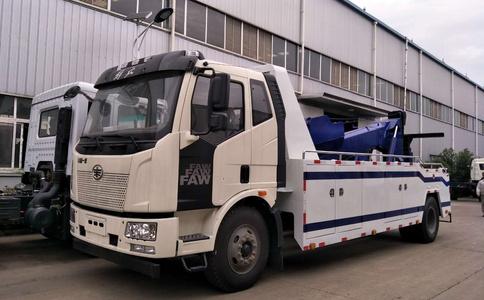 解放J613吨拖吊联体重型清障车视频