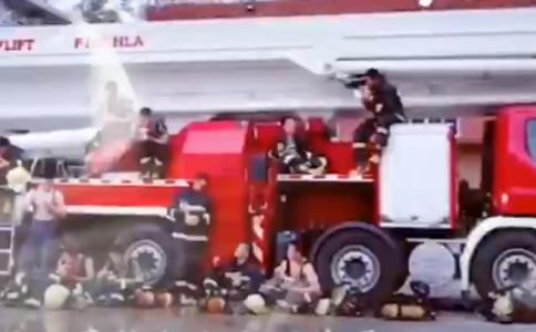 灭火英雄水罐消防车 泡沫消防车厂家