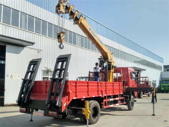 东风专底8吨徐工随车起重运输车图片4