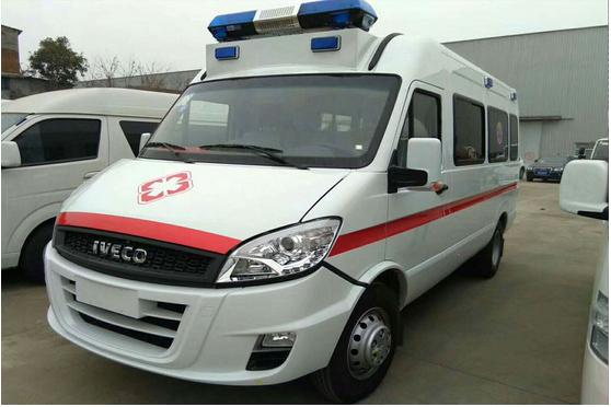 依维柯救护车