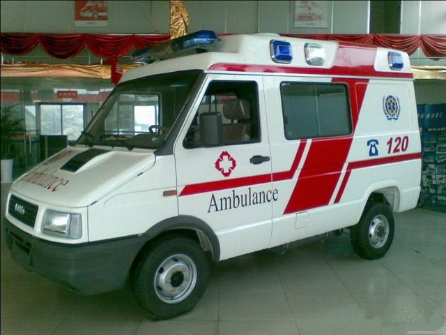 依维柯A35救护车