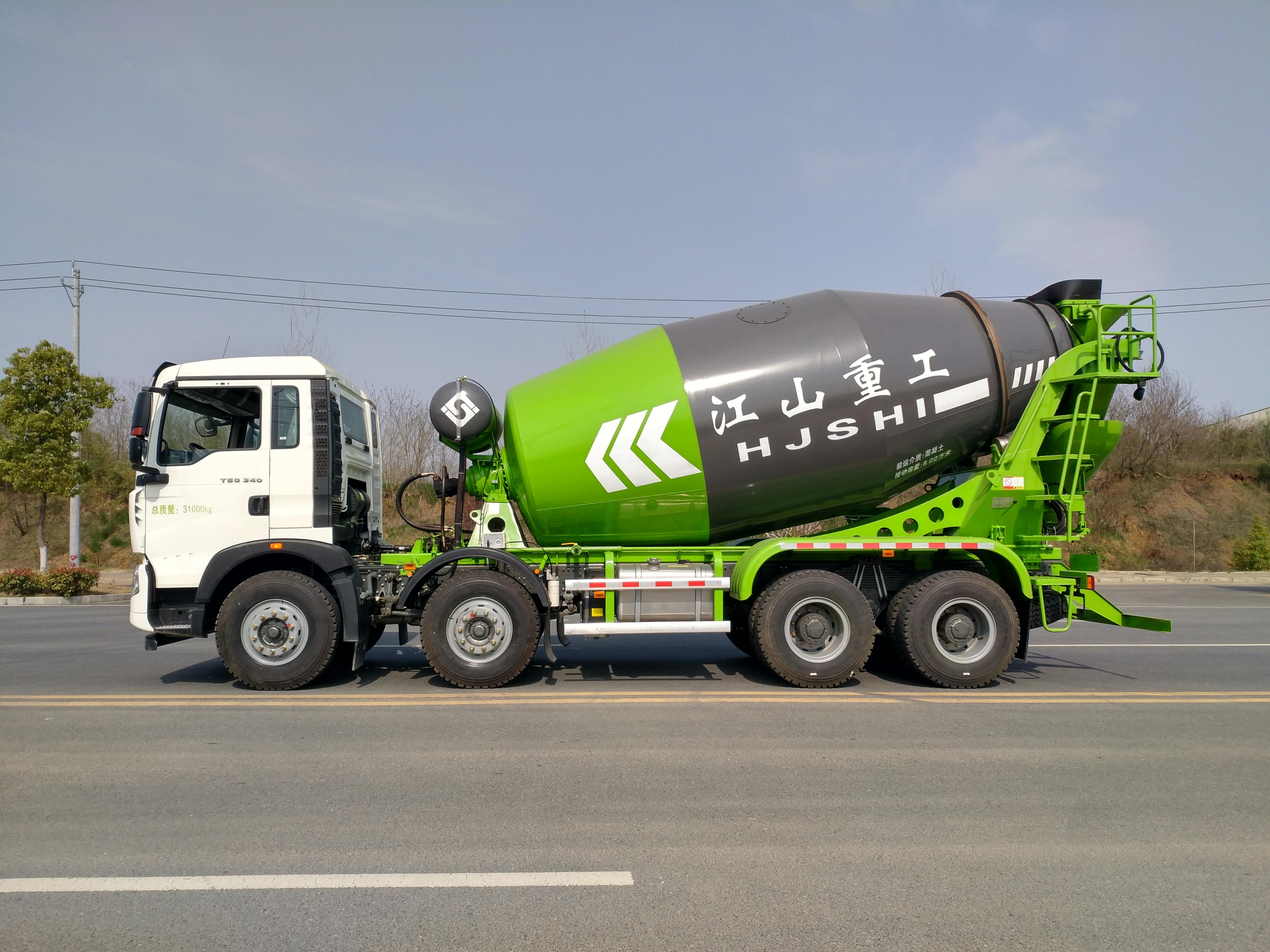 12方轻量化水泥搅拌车价格多少钱-江山重工混凝土运输车