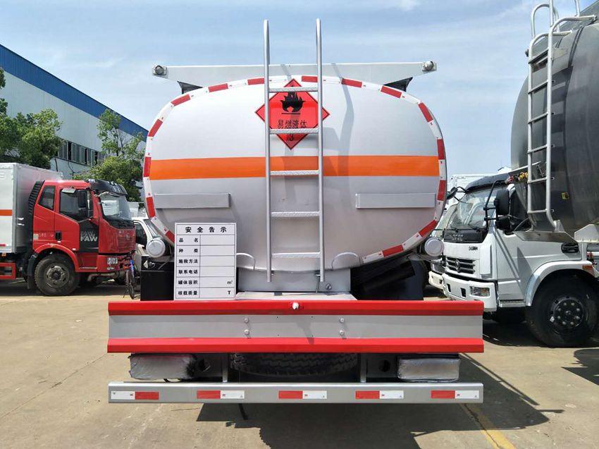 东风D9多利卡10吨加油车图片