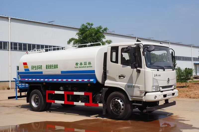 东风新天锦14吨洒水车,买洒水车找周厂长