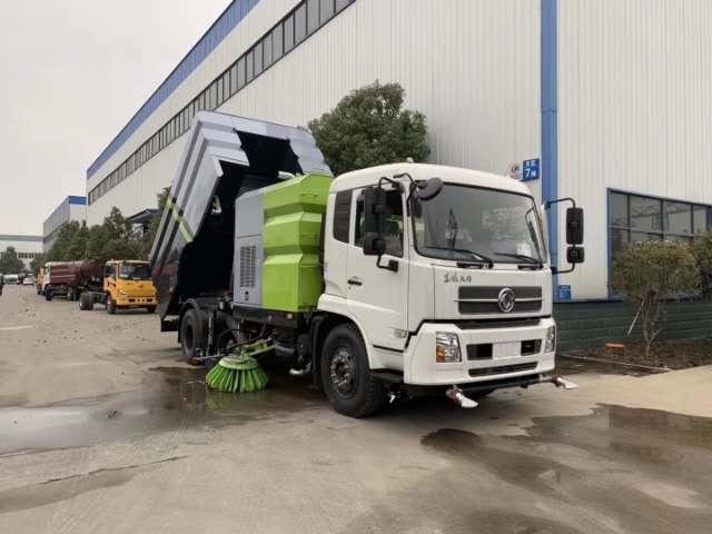 天锦12吨大型扫路车视频