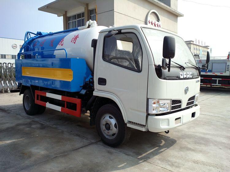 东风多利卡蓝牌清洗吸污车装路面清洗喷头,效果牛不牛,自己看!!图片
