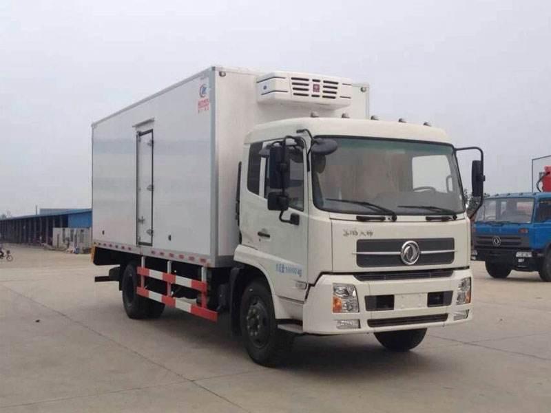 小龙虾东风天锦冷藏车245马力8.6米厢长图片