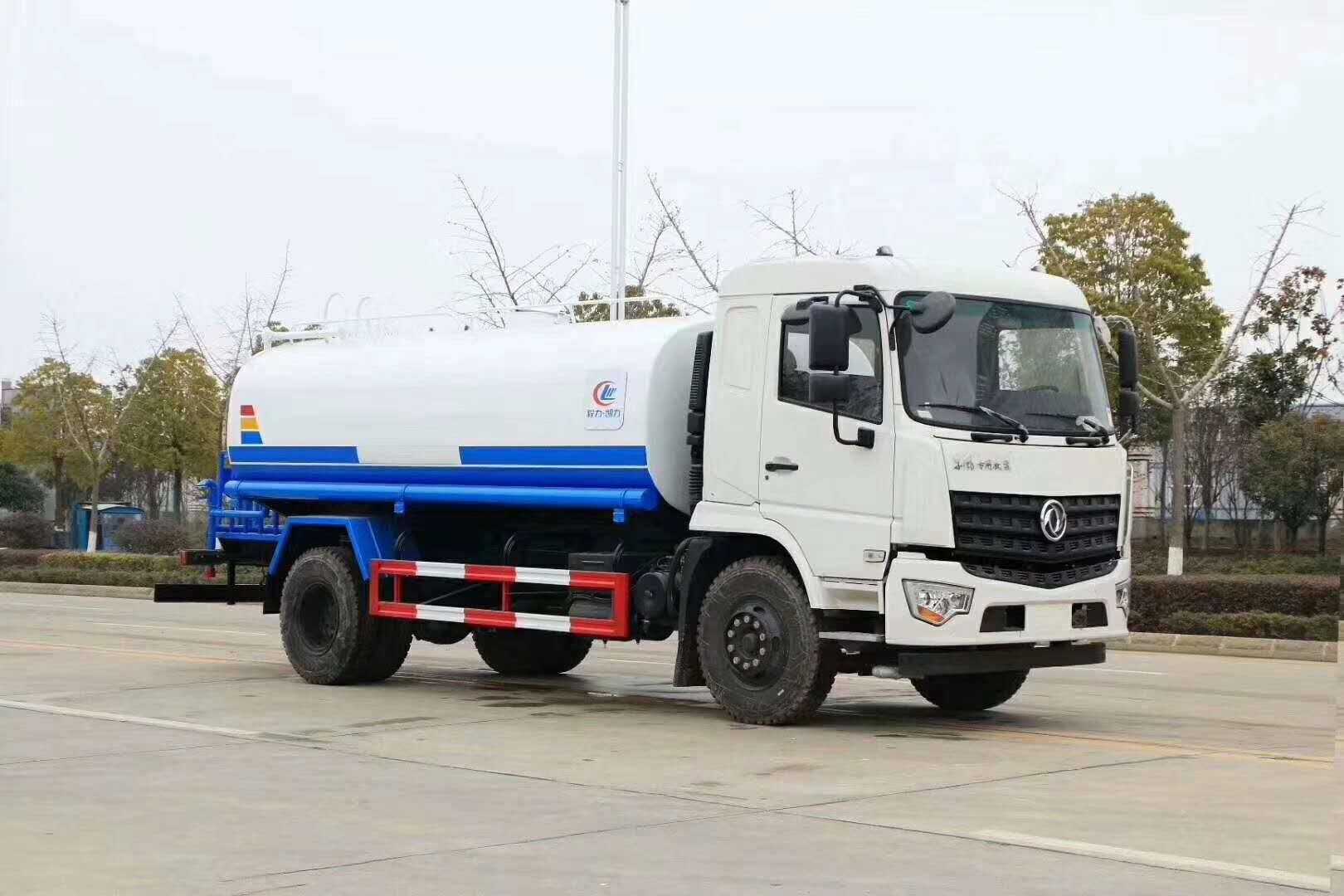 最新款东风专底14吨洒水车价格