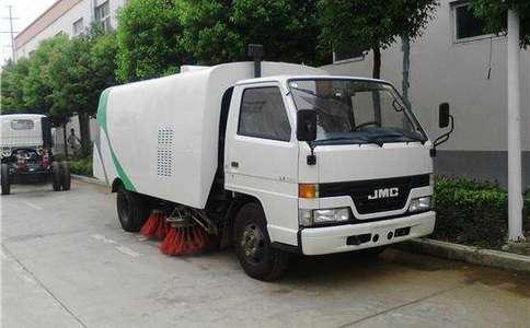 江铃蓝牌3方小型扫路车图片