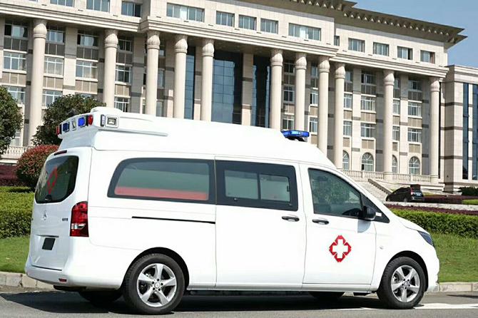 奔驰威霆救护车 (14)