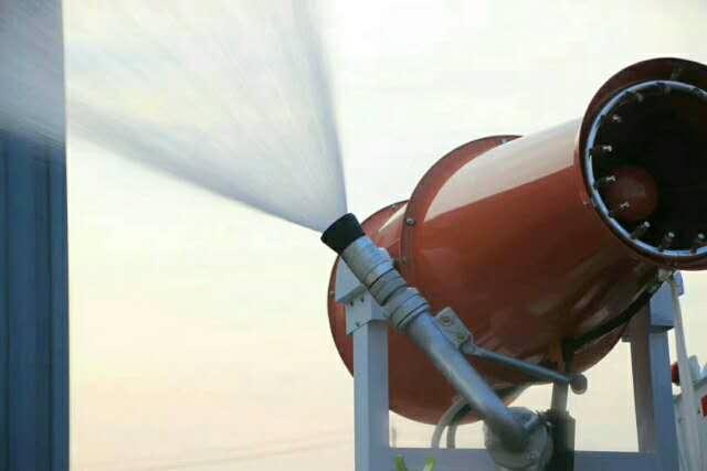 新中绿东风自动洒水炮控制随心所欲视频