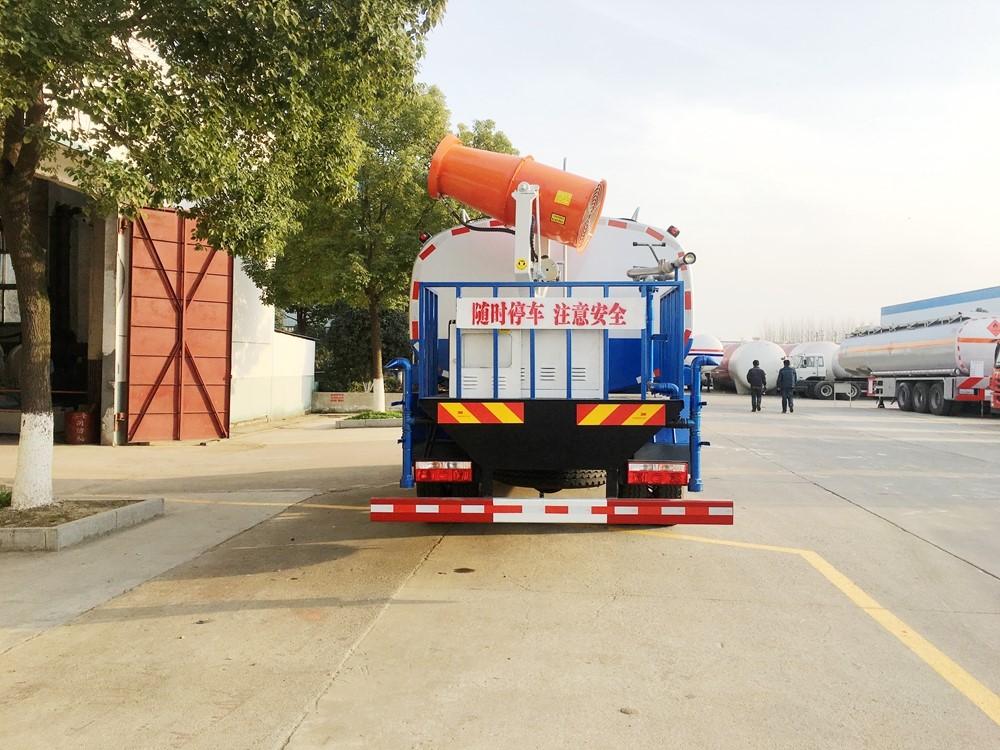 东风12吨大多利卡抑尘车