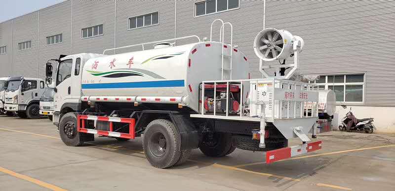 东风专底12吨雾炮车视频