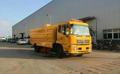 东风天锦12吨大型扫路车功能特点,性价比大升级