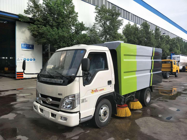 2.5吨福田柴油扫路车图片