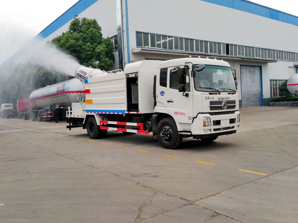 东风天锦12吨100米雾炮车