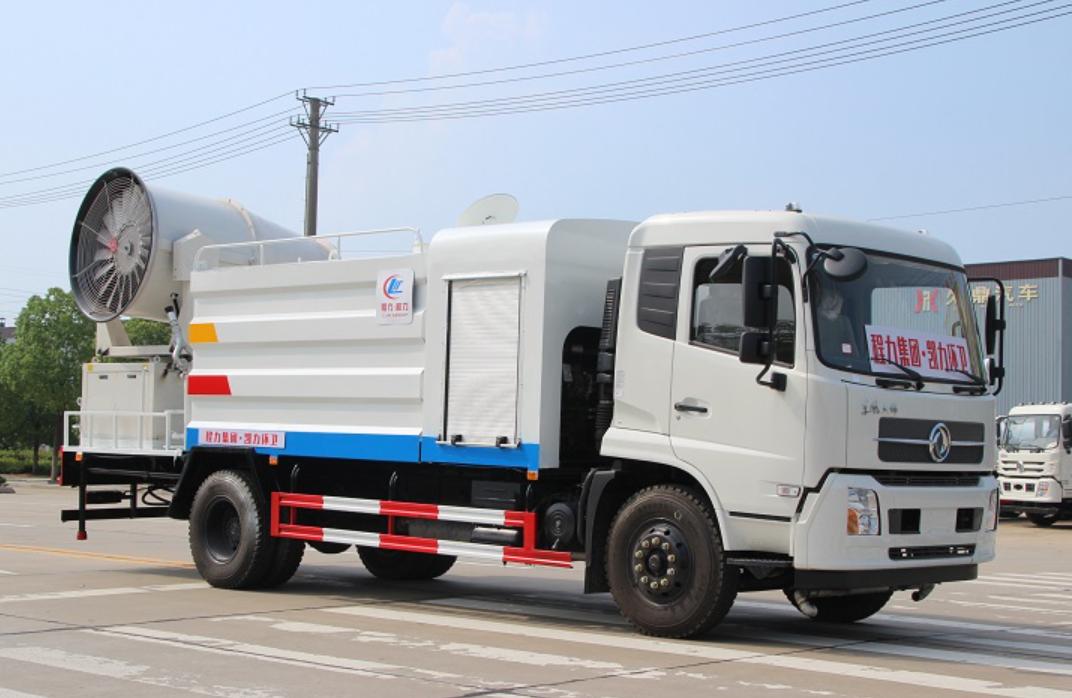 东风天锦10吨(方罐)多功能抑尘车