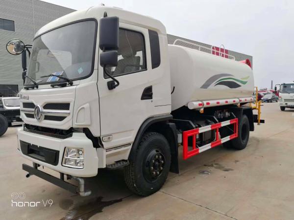 东风新款D9 15吨绿化洒水车图片